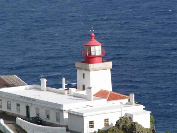 Alter Leuchtturm am Meer
